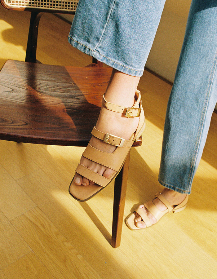 T034 buckle sandals natural (2cm)