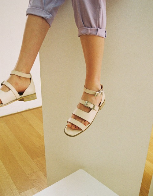 T034 buckle sandals cream (2cm)